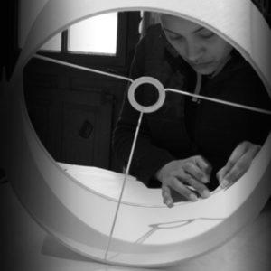 Réalisation sur-mesure et restauration d'abat-jour, lustre, suspension, applique luminaire Tapissier tapissière Fabricant de luminaires abat-jour Métissage et Matières Yvelines 78 Eure 27 Hauts-de-Seine 92 Paris 75