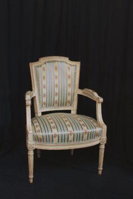 Fauteuil Cabriolet Style Louis XVI avant réfection restauration Gasny Eure 27620 Métissage et Matières
