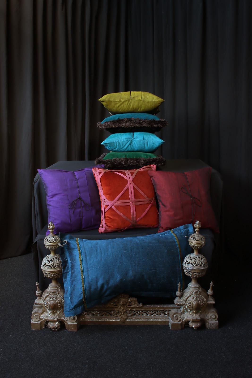 coussins de d coration m tissage mati res. Black Bedroom Furniture Sets. Home Design Ideas