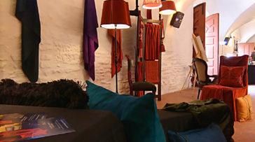 Exposition Métiers d'Art Rendez-vous aux Jardins au Domaine de Villarceaux les 4 et 5 juin 2016 – Tapissier tapissière Abat-jouriste Métissage et Matières