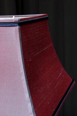Abat-jour pagode sur-mesure en soie changeante Tapissier tapissière Fabricant de luminaires abat-jour Métissage et Matières Yvelines 78 Eure 27 Hauts-de-Seine 92 Paris 75