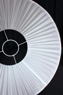 Doublure abat-jours plissés soie changeante pour lustre ancien Karin Sajo Tapissier tapissière Fabricant de luminaires abat-jour Métissage et Matières Yvelines 78 Eure 27 Hauts-de-Seine 92 Paris 75