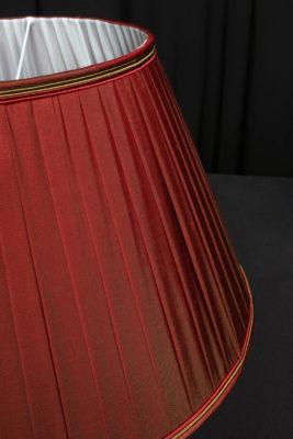 Abat-jours plissés soie changeante pour lustre ancien Karin Sajo Tapissier tapissière Fabricant de luminaires abat-jour Métissage et Matières Yvelines 78 Eure 27 Hauts-de-Seine 92 Paris 75