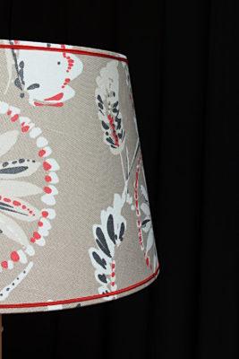 Abat-jours forme tambour contrecollés en lin Tapissier tapissière Fabricant de luminaires abat-jour Métissage et Matières Yvelines 78 Eure 27 Hauts-de-Seine 92 Paris 75