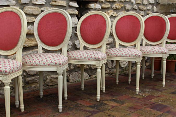 Restauration chaises médaillon style Louis XVI après réfection tissu Casal Tapissier tapissière Fabricant de luminaires abat-jour Métissage et Matières Yvelines 78 Eure 27 Hauts-de-Seine 92 Paris 75