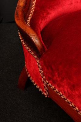 Restauration chauffeuse style anglais Louis-Philippe Napoléon III après restauration réfection tissu velours rouge Luciano Marcato Tapissier tapissière Fabricant de luminaires abat-jour Métissage et Matières Yvelines 78 Eure 27 Hauts-de-Seine 92 Paris 75