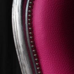 Restauration fauteuil Voltaire simili cuir fuchsia rose après réfection Jules Lelièvre Tapissier tapissière Fabricant de luminaires abat-jour Métissage et Matières Yvelines 78 Eure 27 Hauts-de-Seine 92 Paris 75